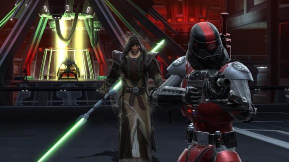 Jedi Consular combat screenshot with dual-blade lightsaber. (c) Bioware